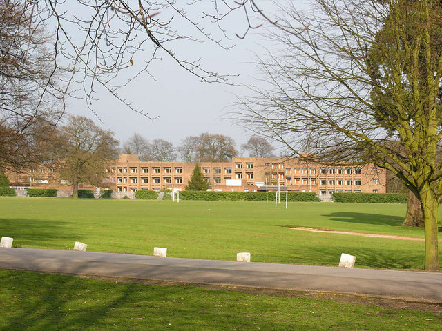 The_Lawns_Hall_of_Residence