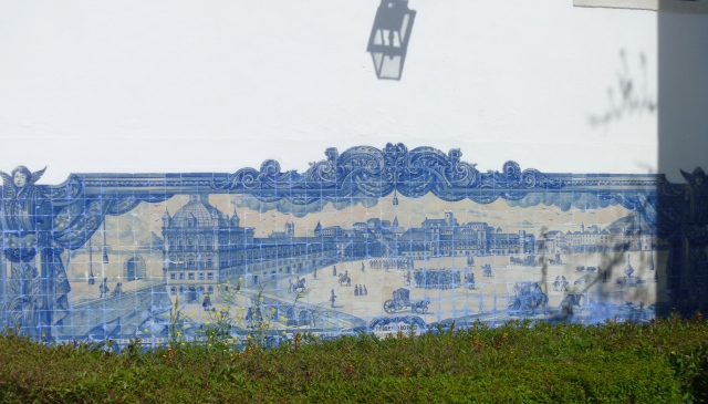 Tiled wall at Santa Luzia Square