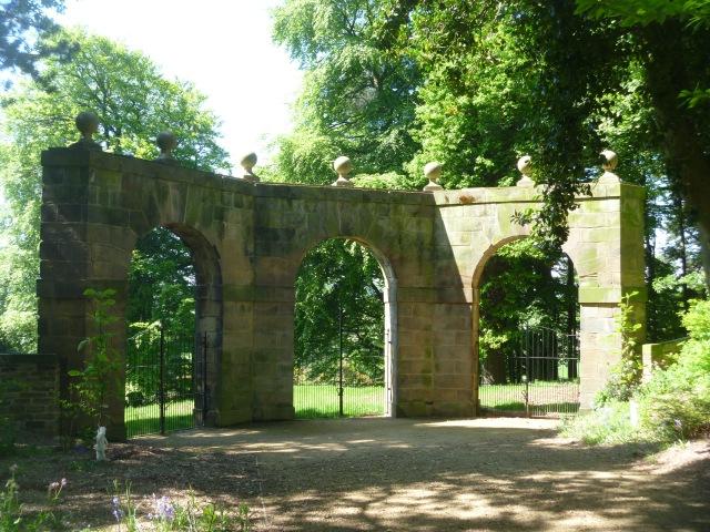 Archer's Hill gate