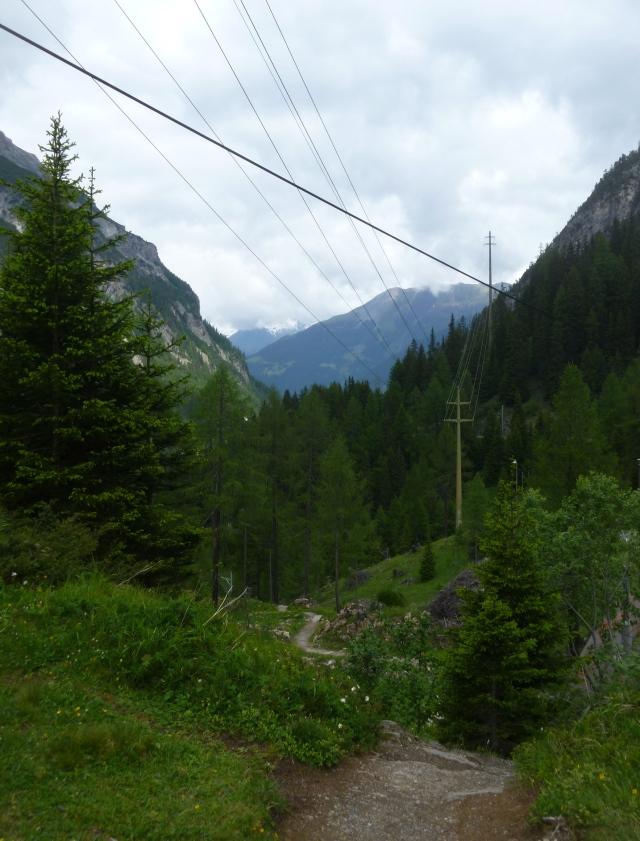Path heads down to Bergün