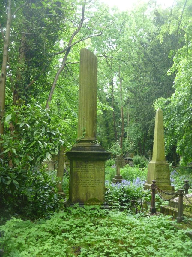 The broken column symbolises a life cut short