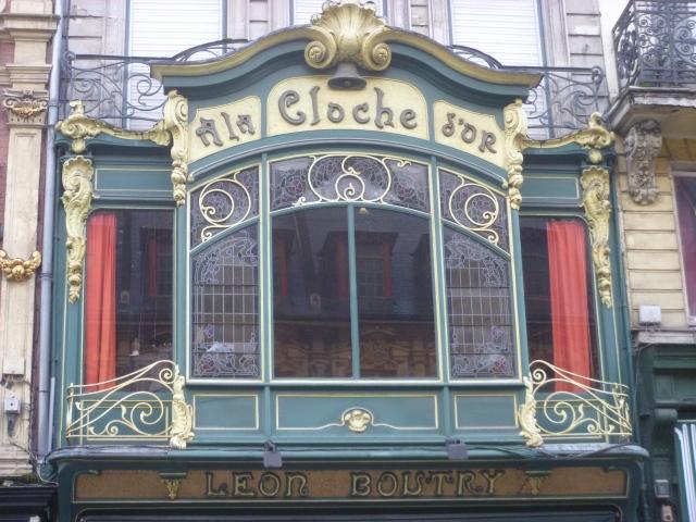 A La Cloche