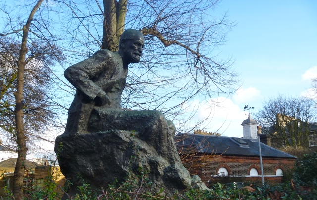 Freud Statue 1