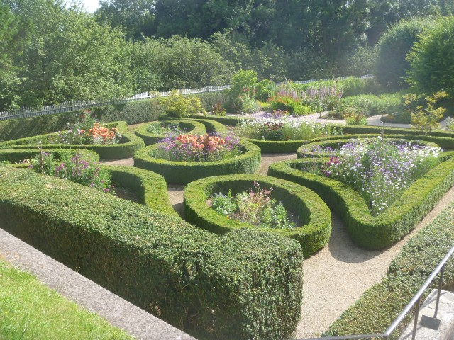 G Washington garden