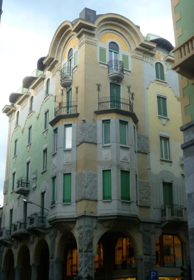 Varese Art Deco