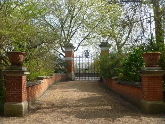 CPG gates