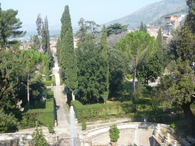 d'este gardens view