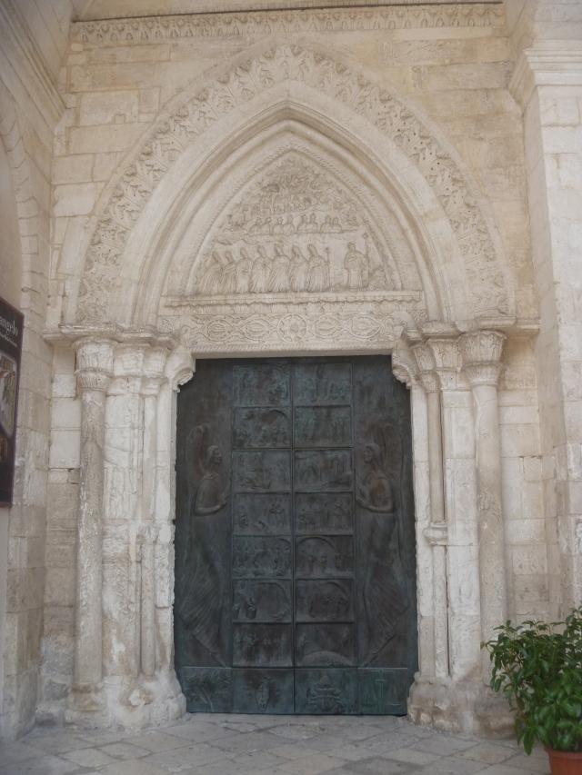 Santuario door