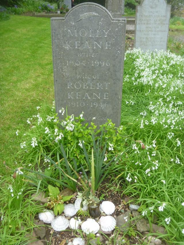 MK grave