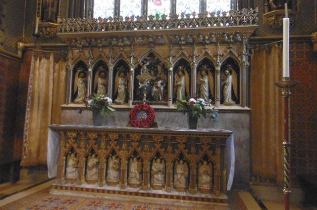 st giles altar