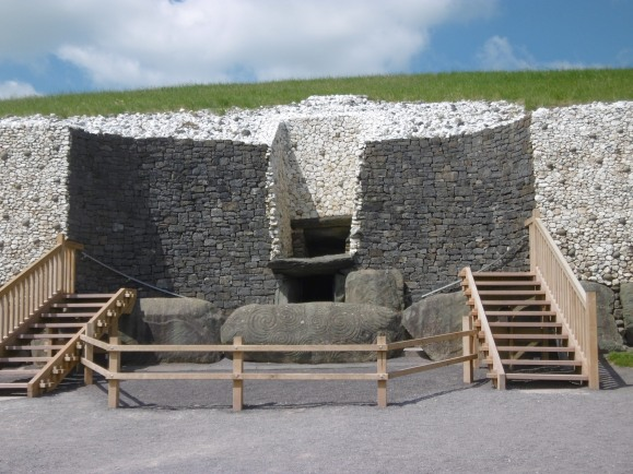 Entrance to newgrange